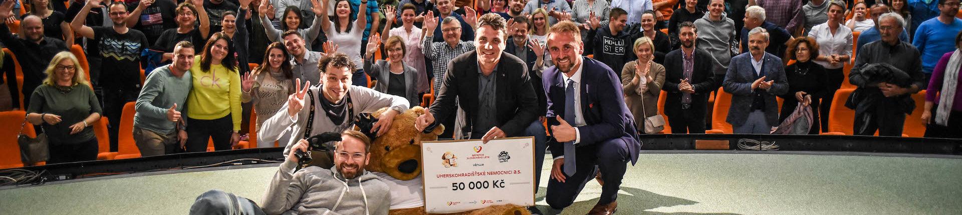 Vandráci okouzlili publikum, nemocnice získaly 100 tisíc korun